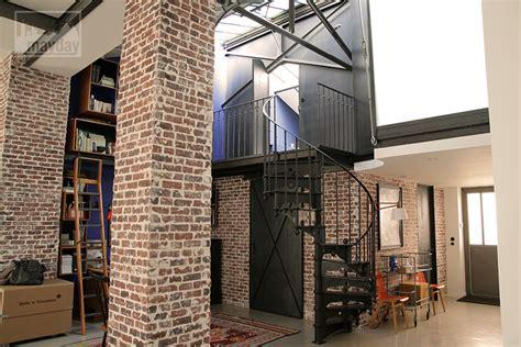 petit bureau ancien loft avec patio clav0024 agence mayday repérage de