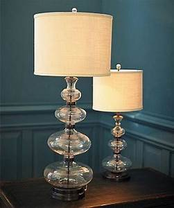 10 alluring glass table lamps to embellish your living for Glass table lamps for living room