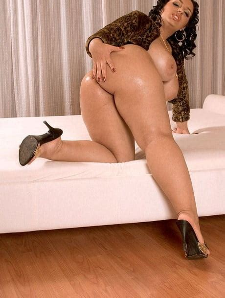Mature Pawg Milf With Thick Sexy Legs In Heels 11 Pics
