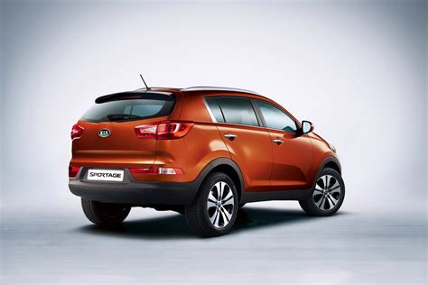 Kia Sprotage by Pretty Looking 2011 Kia Sportage Suv At Geneva Carguideblog