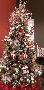 25 themed trees for 2013 by raz style estate