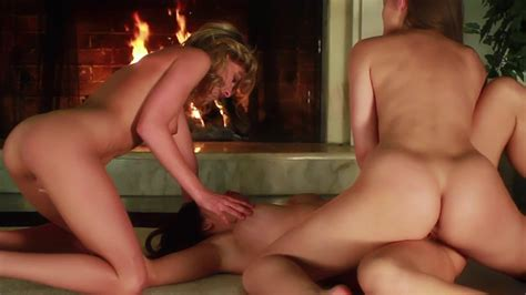 Horny Lesbians Threesome Group Sex Xbabe Video