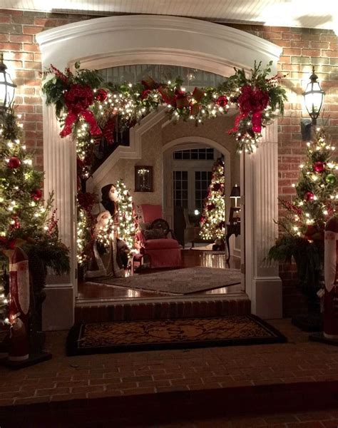 photo credit dianne squire frontgate holiday decor