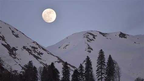 snow moon   means         york