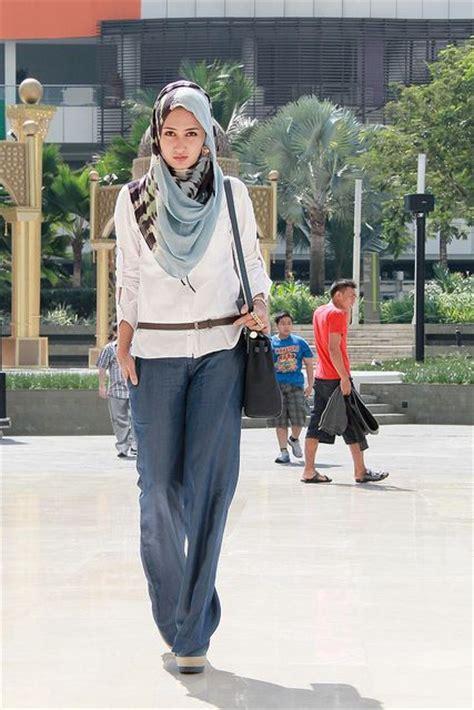model baju muslim wanita terbaru  laris