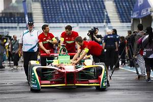 Quiet zoom: Electric car race comes to Brooklyn waterfront ...