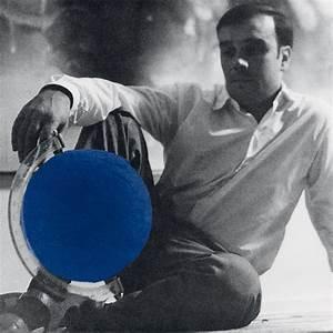 Bleu De Klein : yves klein by lalique la terre bleue lalique ~ Melissatoandfro.com Idées de Décoration