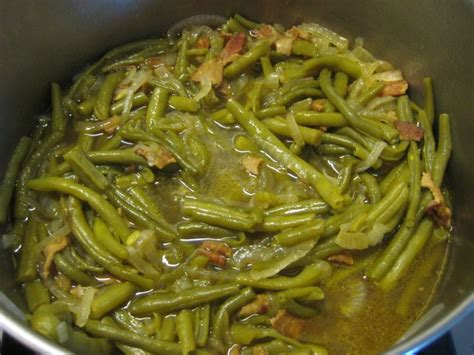 cooking fresh green beans how to cook fresh green beans paula deen s delicious