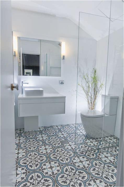 Tile Flooring Ideas Bathroom by Best 25 Cheap Bathroom Flooring Ideas On Diy