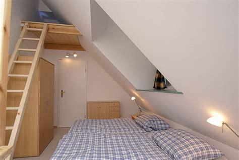 Schlafzimmer Mit Dachschräge Gestalten by Schlafzimmer Gestalten Dachschr 228 Ge