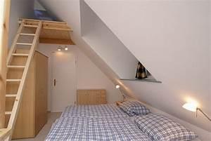 Zimmer Mit Schrägen : schlafzimmer gestalten dachschr ge ~ Lizthompson.info Haus und Dekorationen