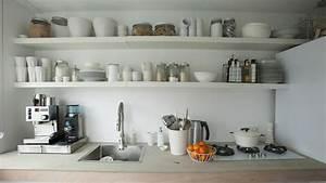 Comment trouver de la place en plus dans une petite cuisine for Deco etagere cuisine