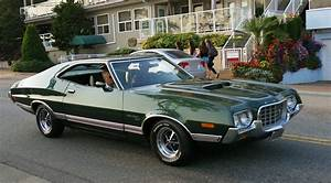 Ford Gran Torino : top 10 tv movie cars that you would love to drive 2017 18 ~ Melissatoandfro.com Idées de Décoration