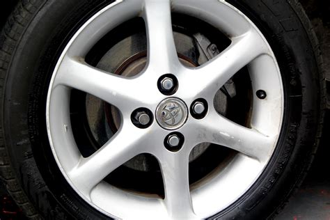How To Remove Brake Dust From Aluminum Wheels (with Pictures