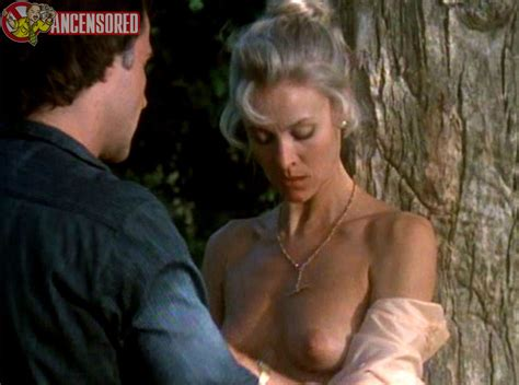 Elizabeth Hawthorne Nude