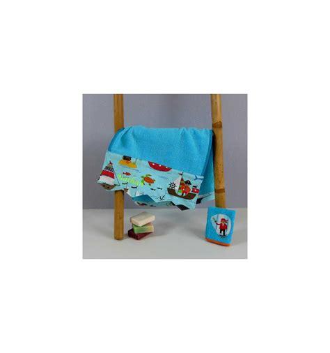 serviettes de toilette bebe serviette de bain b 233 b 233 personnalis 233 e cadeau naissance motif pirate cr 233 aflo