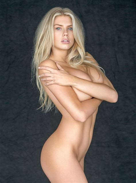 Charlotte Mckinney Topless Thefappening