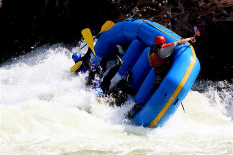 Boat Rafting by 10 Whitewater Rafting Safety Tips Raft Masters
