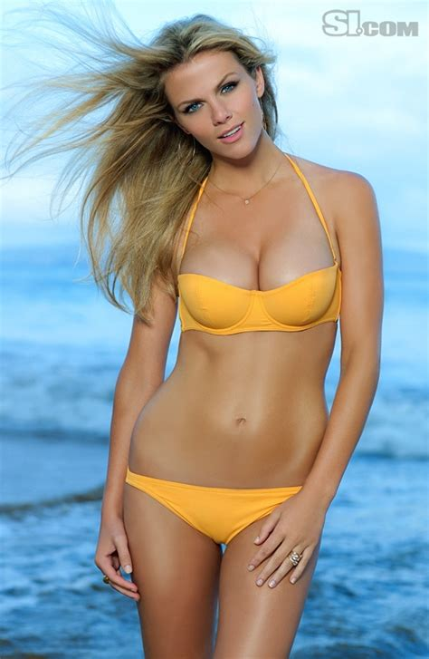 Brookyln Decker Hot Big Tits & Sexy Ass Bikini Pictures