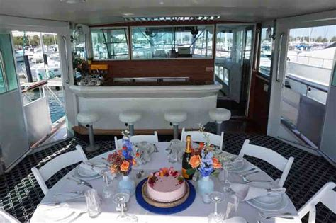Private Sunset Boat Cruise Chicago by Private Dinner Cruise Chicago Private Yacht Dinner Cruise