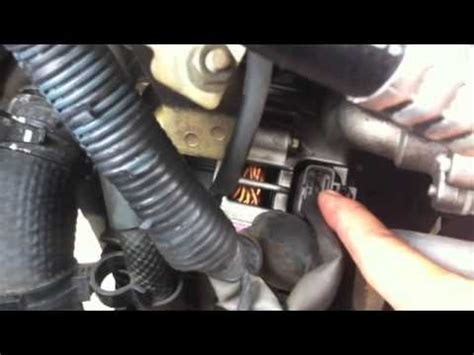 How Replace The Alternator Nissan Altima