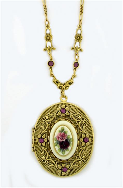 vintage inspired victorian style locket necklace wholesale