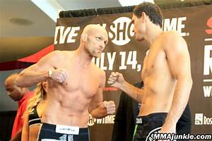 'Strikeforce: Rockhold vs. Kennedy' weigh-in photos: An ...