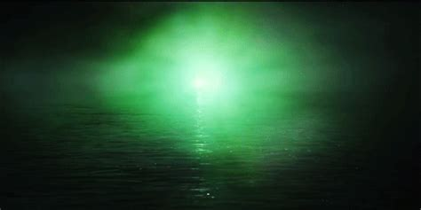 Gatsby Believed In The Green Light by Green Light The Great Gatsby Gifs Find Amp Share On Giphy