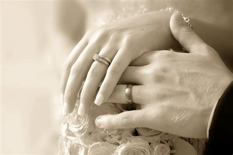 how to pick your wedding ring essex wedding venue the white hart in yeldham