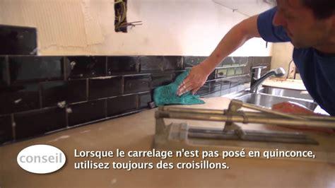 cuisine carreaux de platre carreler un dosseret de cuisine vidéo bricolage gamma