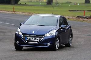 208 Peugeot : peugeot 208 style review auto express ~ Gottalentnigeria.com Avis de Voitures