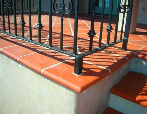 Terra cotta tile, bullnose   Mediterranean   Exterior