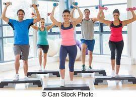 Länge A Klasse : hanteln turnhalle verrichtung treten l nge voll aerobik gesundheit lehrer klasse bung ~ Orissabook.com Haus und Dekorationen