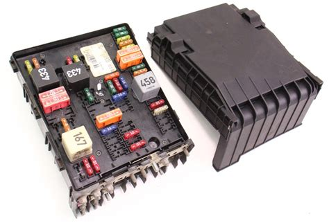 2006 Gti Fuse Box by Engine Bay Fuse Relay Box 05 07 Vw Jetta Rabbit Mk5 2 5