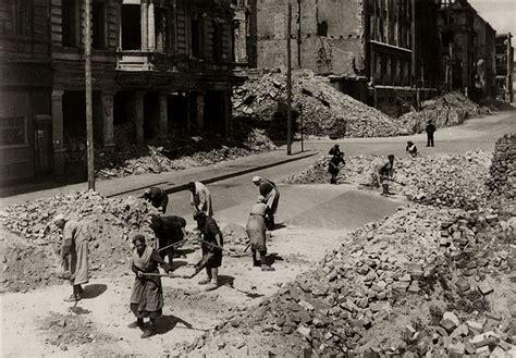 berlin de dans les ruines de berlin histoire et analyse d images et oeuvres