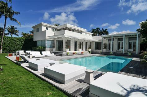 buy shakira s miami mansion for 12 9 million miami new times