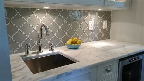 arabesque tile backsplash arabesque backsplash white great home decor timeless