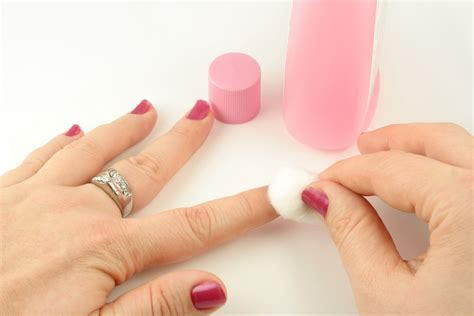 How To Completely Remove Nailpolish Color From Your