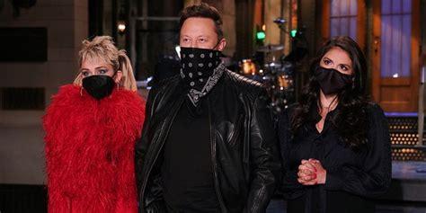 Elon Musk hosts 'SNL,' jokes about space, cars, Mars, pot ...