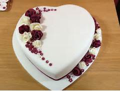 Heart Shaped Wedding Cakes Pictures by Heart Shaped Brooch Wedding Cake Pictures To Pin On Pinterest