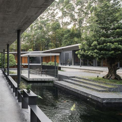 Steel Concrete And Home With Central Courtyard by O Office Architects Reinterprets Traditional