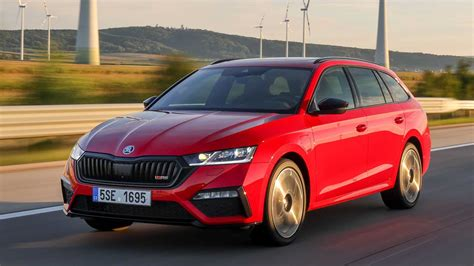 Awarded and perfect for every family. Skoda Octavia RS iV (2020) im Test: Lade-Meister
