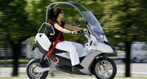 motors elektroroller test elektro roller mobilit 228 t f 252 r gro 223 st 228 dte daimler und bmw