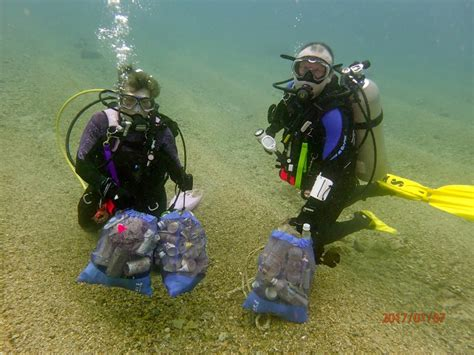 diving  debris   cleaner healthier ocean