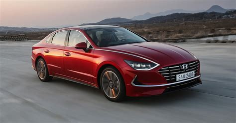 hyundai sonata  drive review  attractive