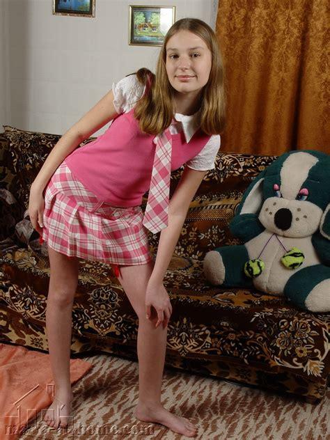 Maria At Home Com Maria Set 5 Non Nude Lolita Galleries Preteen Models