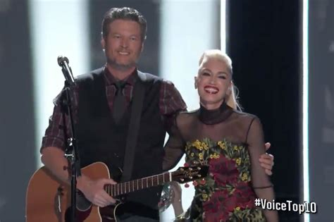 blake shelton gwen stefani song blake shelton and gwen stefani perform holiday duet on the