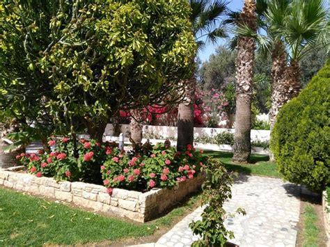 Der Blühende Garten by Quot Der 252 Ppig Bl 252 Hende Garten Quot Kanika Elias Hotel
