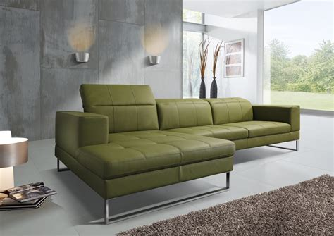 canape cuir vert quels sont les coloris tendance de la decoration d