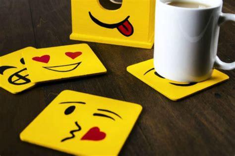 diy emoji craft ideas   put  smile   face